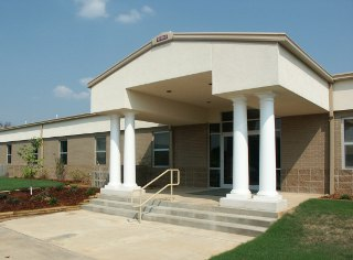 Image of Ozarka College at Mountain View was constructed in 2005.  It includes a computer laboratory, a student resource room with computers and reference materials, a science laboratory, a small bookstore area, and a small Adult Education classroom.  There are also four standard classrooms, two of which are equipped with compressed video technology to link with the Melbourne and Ash Flat sites.
